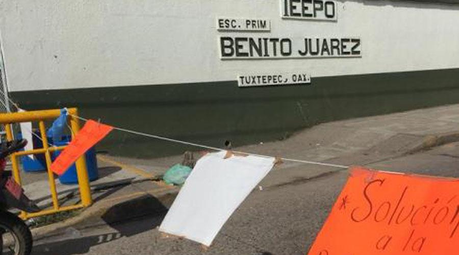 """Toman instalaciones de escuela """"Benito Juárez"""" en Tuxtepec   El Imparcial de Oaxaca"""