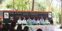 Alumnos se reúnen para celebrar inicio de semestre en Cuicatlán