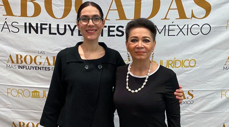 María Eugenia Villanueva recibe reconocimiento