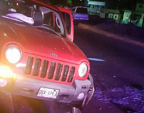 Ebria choca contra un poste y palmera | El Imparcial de Oaxaca