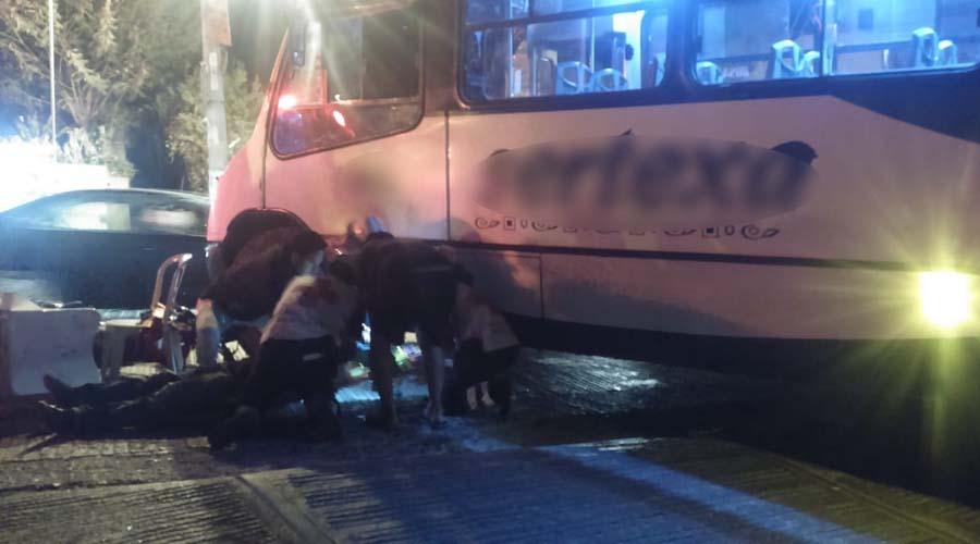 Motociclista es arrollado por un camión de transporte público en el fraccionamiento El Rosario | El Imparcial de Oaxaca