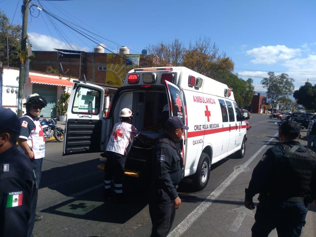 Conductor de automóvil embiste a un motociclista sobre la avenida Lázaro Cárdenas | El Imparcial de Oaxaca