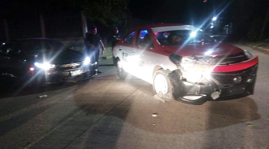¡Aparatoso choque en Tehuantepec! | El Imparcial de Oaxaca