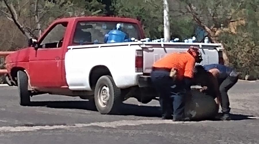 Tanque de gas LP se cae de una camioneta a la altura del Tecnológico de Oaxaca | El Imparcial de Oaxaca
