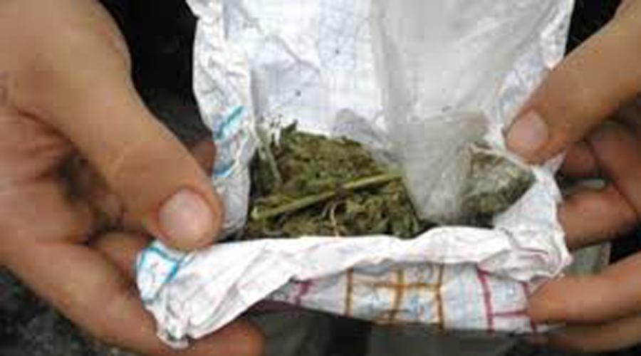 En Huajuapan, joven es detenido por fumar marihuana en la vía pública | El Imparcial de Oaxaca