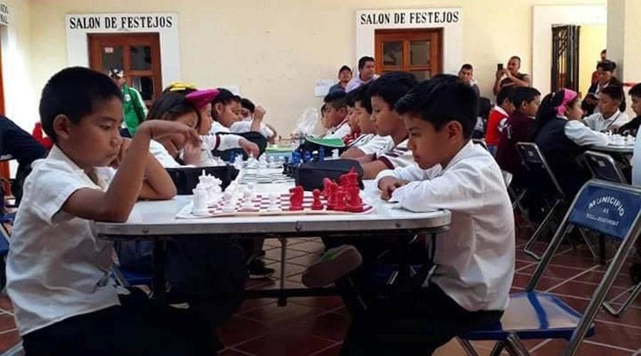 Realizan torneo Díaz Ordaz