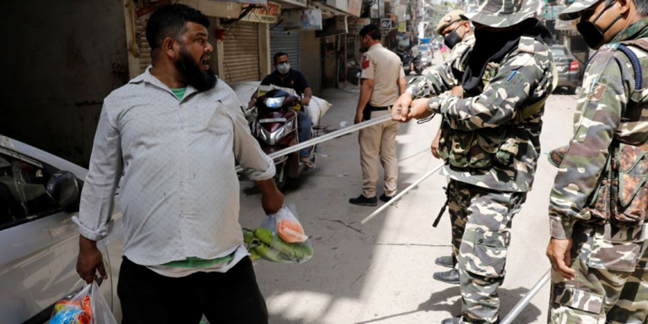 """Video: policías dan de """"palazos"""" a quienes no respetan cuarentena por pandemia   El Imparcial de Oaxaca"""