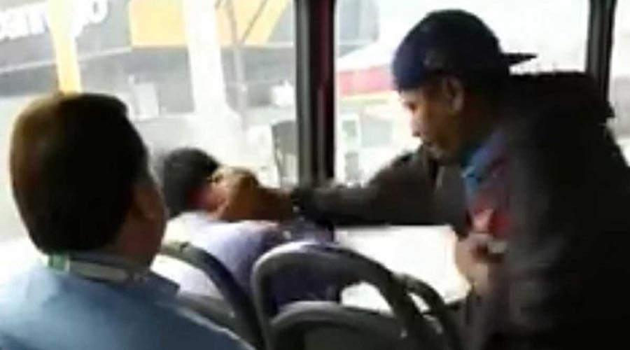 Exhiben y bajan de un camión a presunto 'acosador' en Nuevo León | El Imparcial de Oaxaca