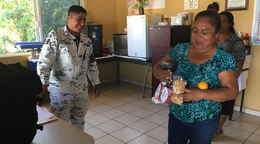 Guardia Nacional realiza  actividades de proximidad en Pinotepa Nacional, Oaxaca
