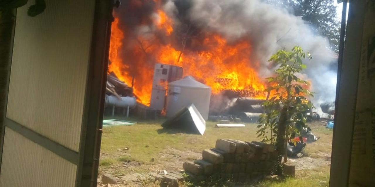 Se incendia bodega de plásticos en centro Unión Hidalgo, Oaxaca | El Imparcial de Oaxaca