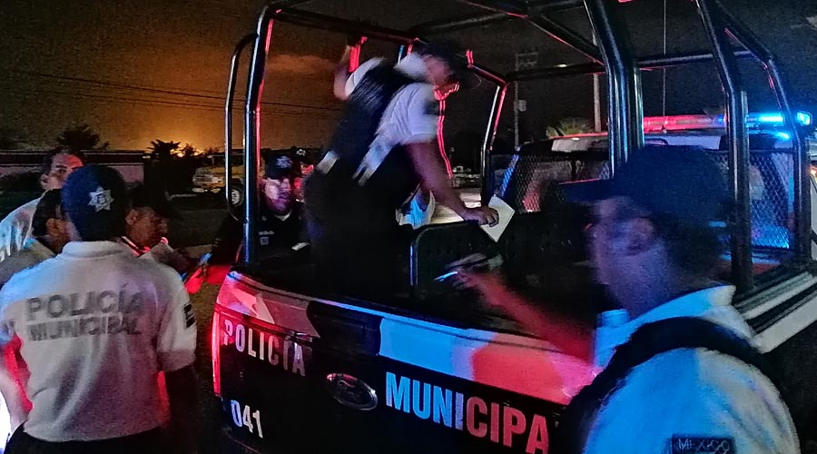Conductor de Jetta arrolla a madre e hija en Salina Cruz, Oaxaca