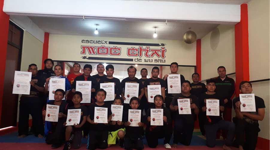 Presentan examen en escuela de artes marciales Moc Chai