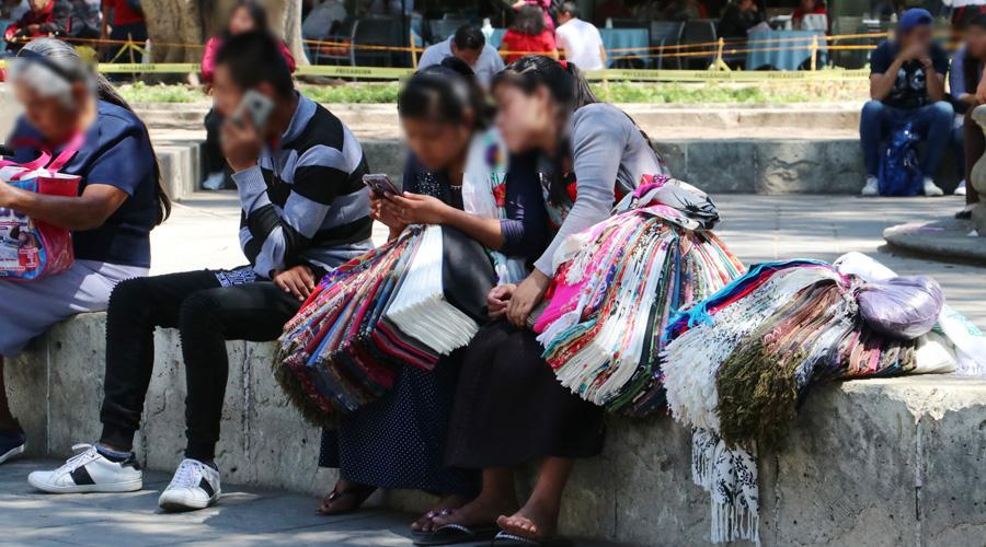 """""""Muchas trabajamos para vivir al día"""": mujeres trabajadoras ante el paro nacional"""