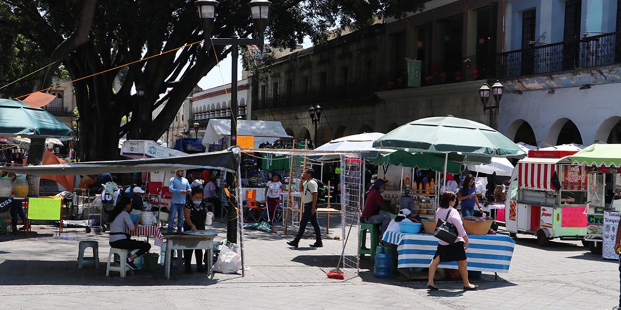 En Oaxaca, ambulantaje y protestas desafían recomendaciones
