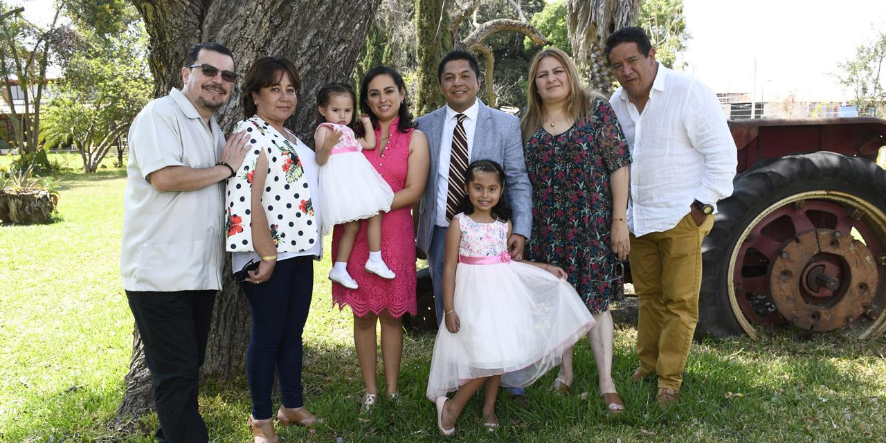 Vanessa y Larissa recibieron la bendición de Dios