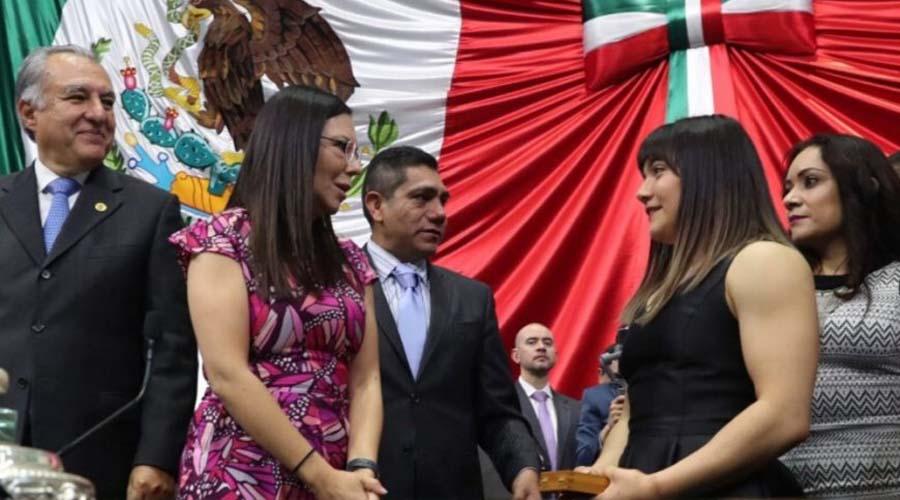 Recibe Alexa Moreno la Medalla al Mérito Deportivo | El Imparcial de Oaxaca