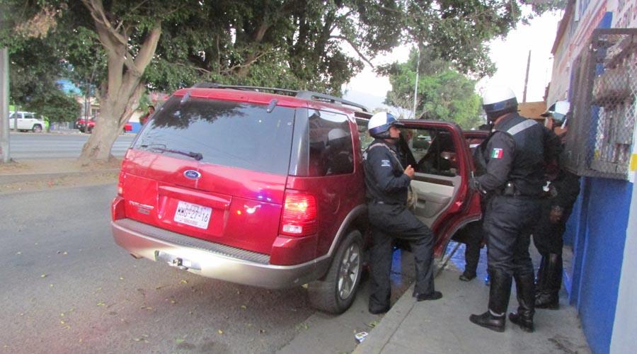 Intentan atropellar a policía   El Imparcial de Oaxaca