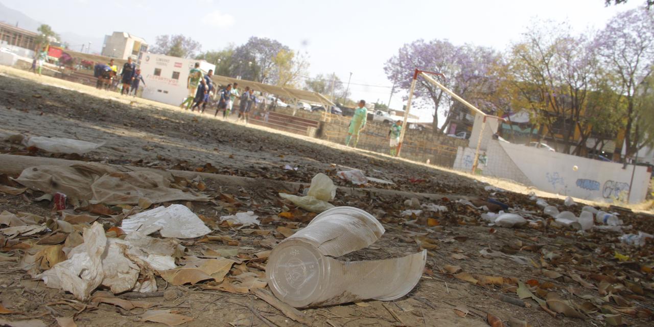 En el olvido campo de fútbol   El Imparcial de Oaxaca