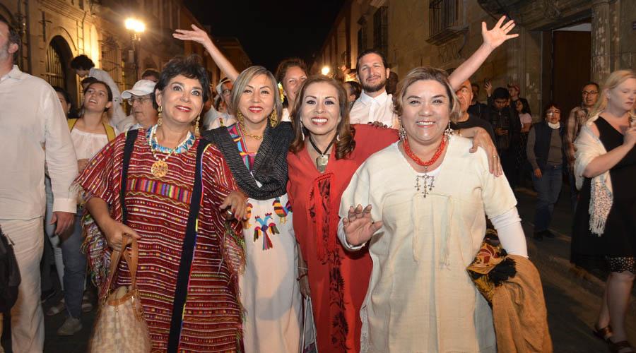 Les dan bienvenida con Guelaguetza | El Imparcial de Oaxaca