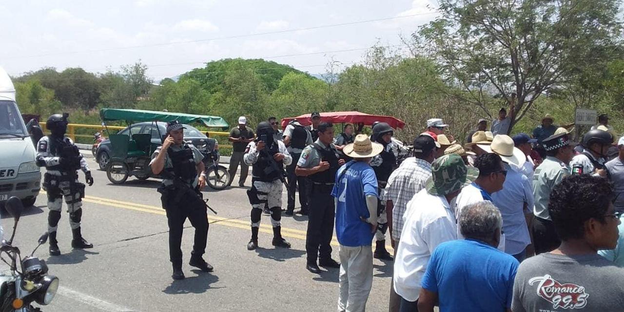 Asamblea Popular bloquea en Zanatepec   El Imparcial de Oaxaca