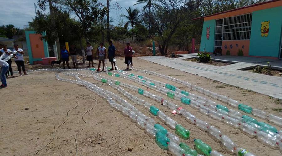 En el Istmo, construyen domo de material reciclado