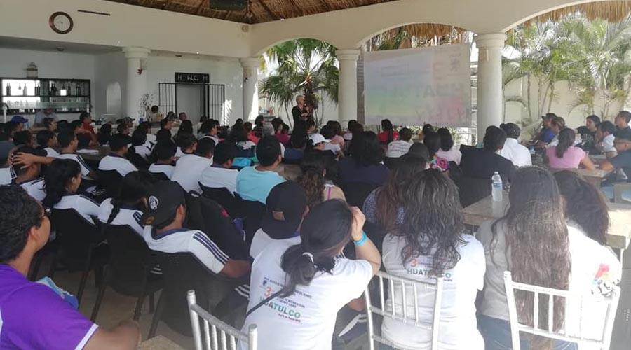 Profesionalizan el deporte, organizan el Congreso de Recreación y Tiempo Libre en Huatulco | El Imparcial de Oaxaca