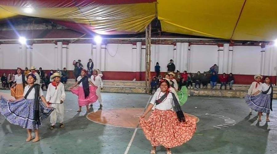 Festejan encuentro para rescatar valores de las comunidades de Tlaxiaco, Oaxaca