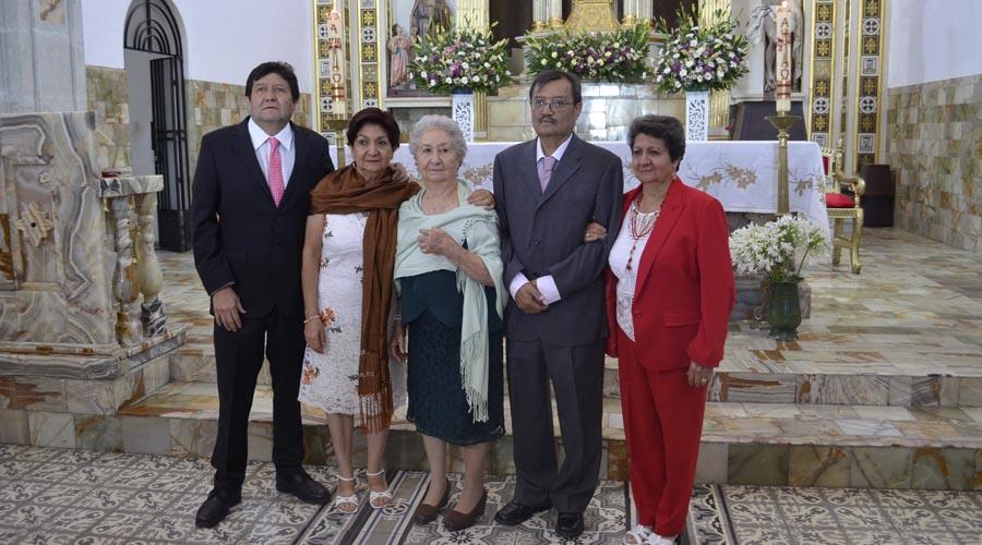 Celebran los 90 años de Dorita