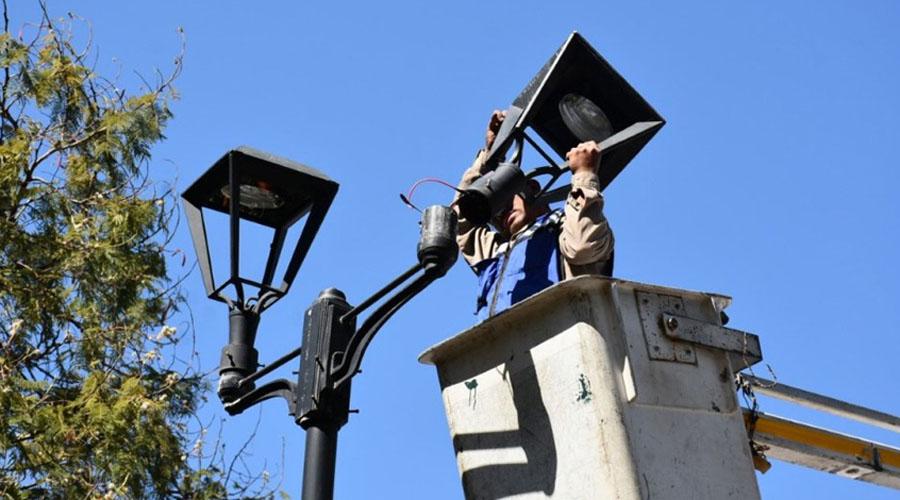 Gobierno asegura que proyecto de luminarias no está retrasado | El Imparcial de Oaxaca