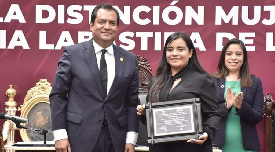"""Distinguen a estudiante de  la UABJO con el galardón  """"Antonia Labastida de la Lanza""""   El Imparcial de Oaxaca"""