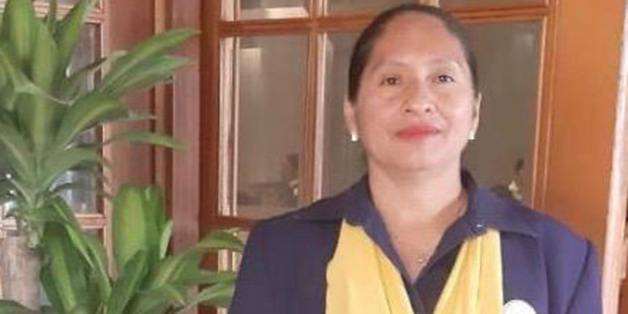Recibe académica de la UABJO reconocimiento al Mérito en Enfermería | El Imparcial de Oaxaca