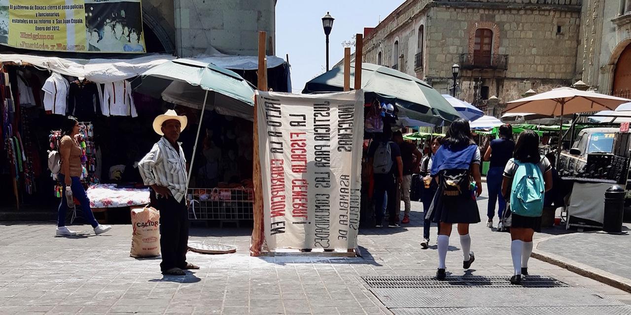 Pestilente protesta de Codep en el Zócalo de Oaxaca | El Imparcial de Oaxaca