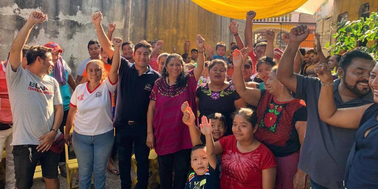 Diputada Gloria Sánchez reúne a colonos pese contingencia | El Imparcial de Oaxaca