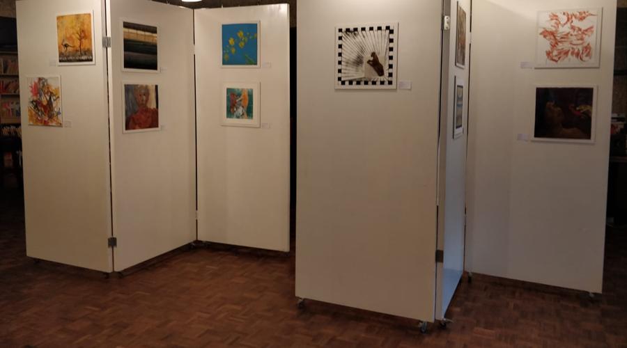 La sororidad une a 21 creadoras en exposición