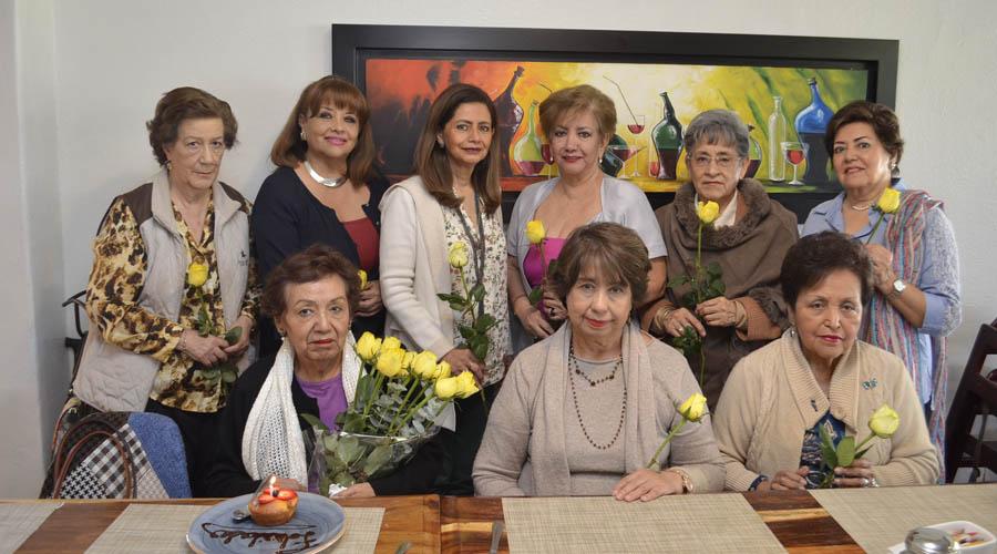 Silvia cumple años, lo celebra entre amigas | El Imparcial de Oaxaca