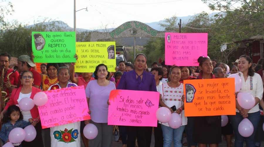 Mujeres de Cuicatlán, realizan caminata para conmemorar su día | El Imparcial de Oaxaca