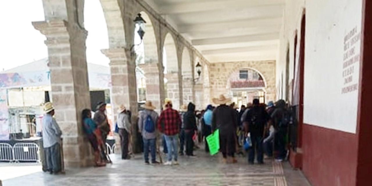 Llegan a acuerdos las poblaciones de Yucuquimi y Tezoatlán   El Imparcial de Oaxaca