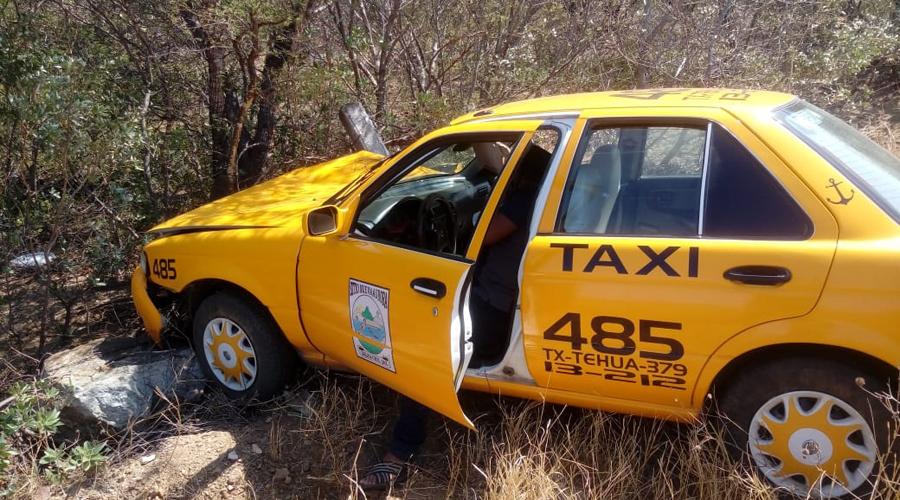 Pierde el control y se sale de la carretera Salina Cruz-Huatulco | El Imparcial de Oaxaca
