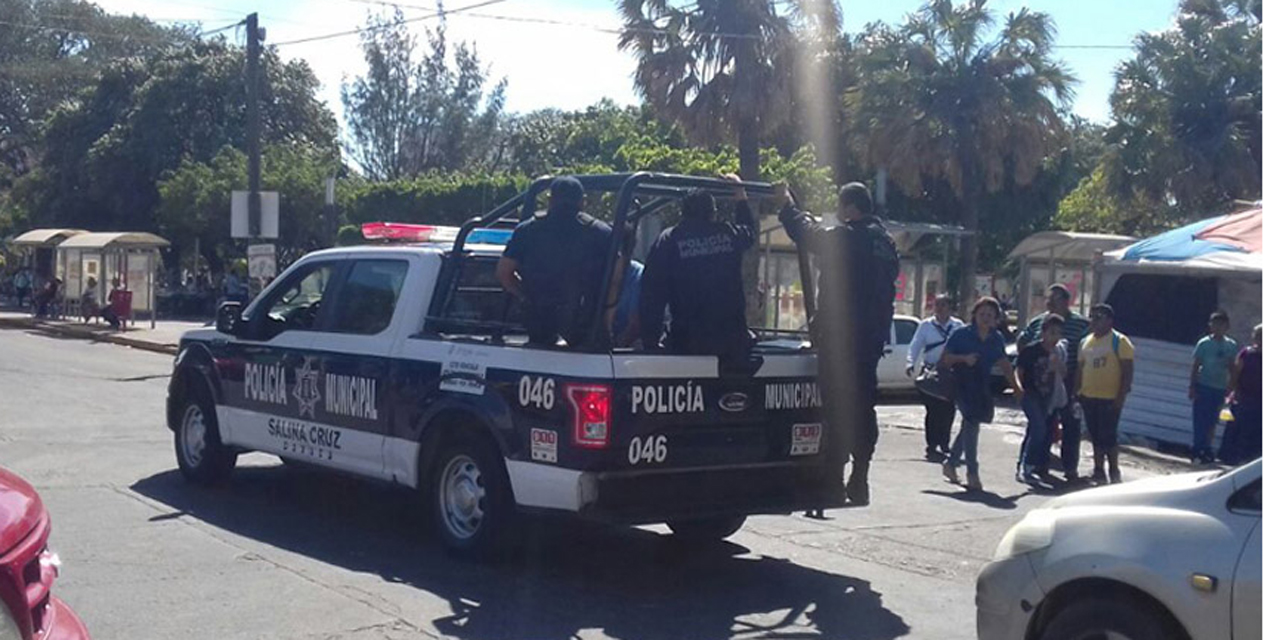 Policía de Salina Cruz invita a no salir de casa | El Imparcial de Oaxaca