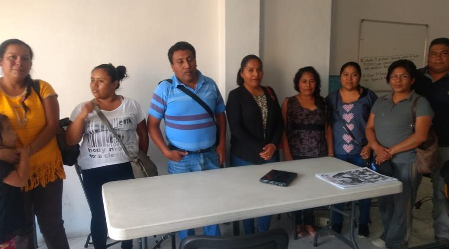 Respaldan padres a docentes del Centro de Atención Múltiple de Huajuapan de León, Oaxaca | El Imparcial de Oaxaca