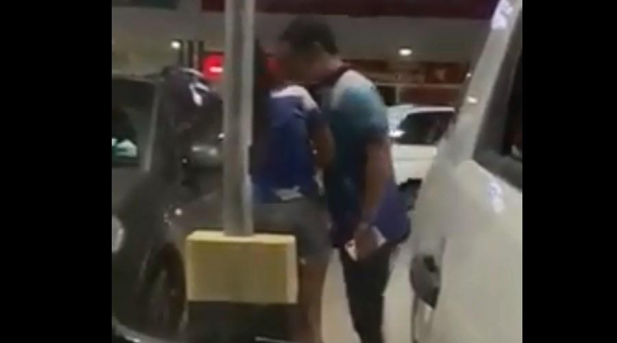 Video: Hombre golpea a su novia en la calle | El Imparcial de Oaxaca