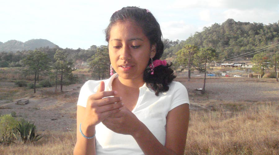 Yesenia, joven que lleva cinco años desaparecida