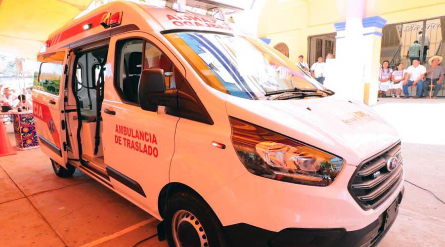 Entregan ambulancia y apoyos al pueblo amuzgo   El Imparcial de Oaxaca