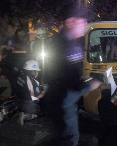 Vuelca mototaxi aparatosamente | El Imparcial de Oaxaca