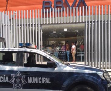 Asaltan a cuentahabientes en Bancomer de Calzada Madero