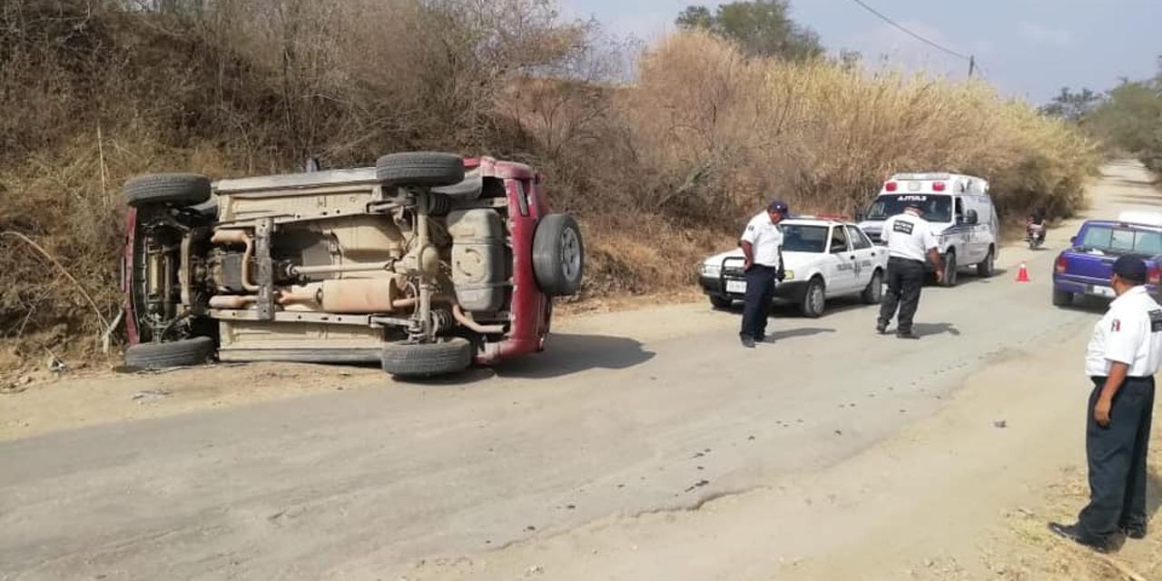 Vuelca camioneta, viven de milagro | El Imparcial de Oaxaca
