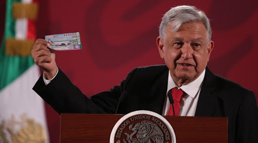 AMLO compra primer billete del sorteo del avión presidencial | El Imparcial de Oaxaca