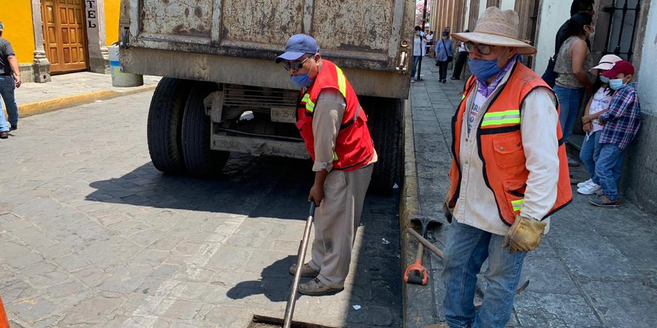 Basura, tierra y hasta monedas tapan alcantarillas pluviales en Oaxaca | El Imparcial de Oaxaca