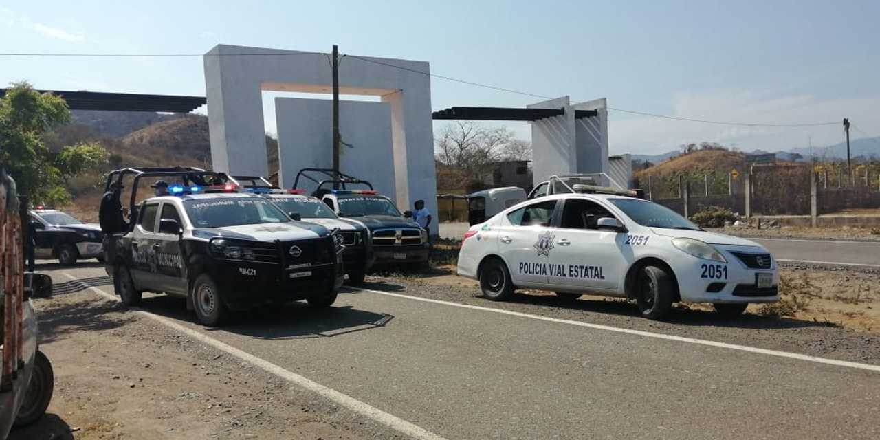 Van contra taxis piratas en Salina Cruz | El Imparcial de Oaxaca