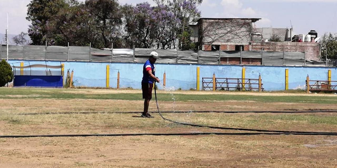 Aprovechan la contingencia para dar mantenimiento al estadio Carrasquedo | El Imparcial de Oaxaca